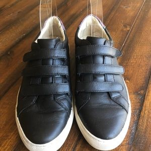 Sketchers Black Sneakers Velcro Closure Ikat Trim